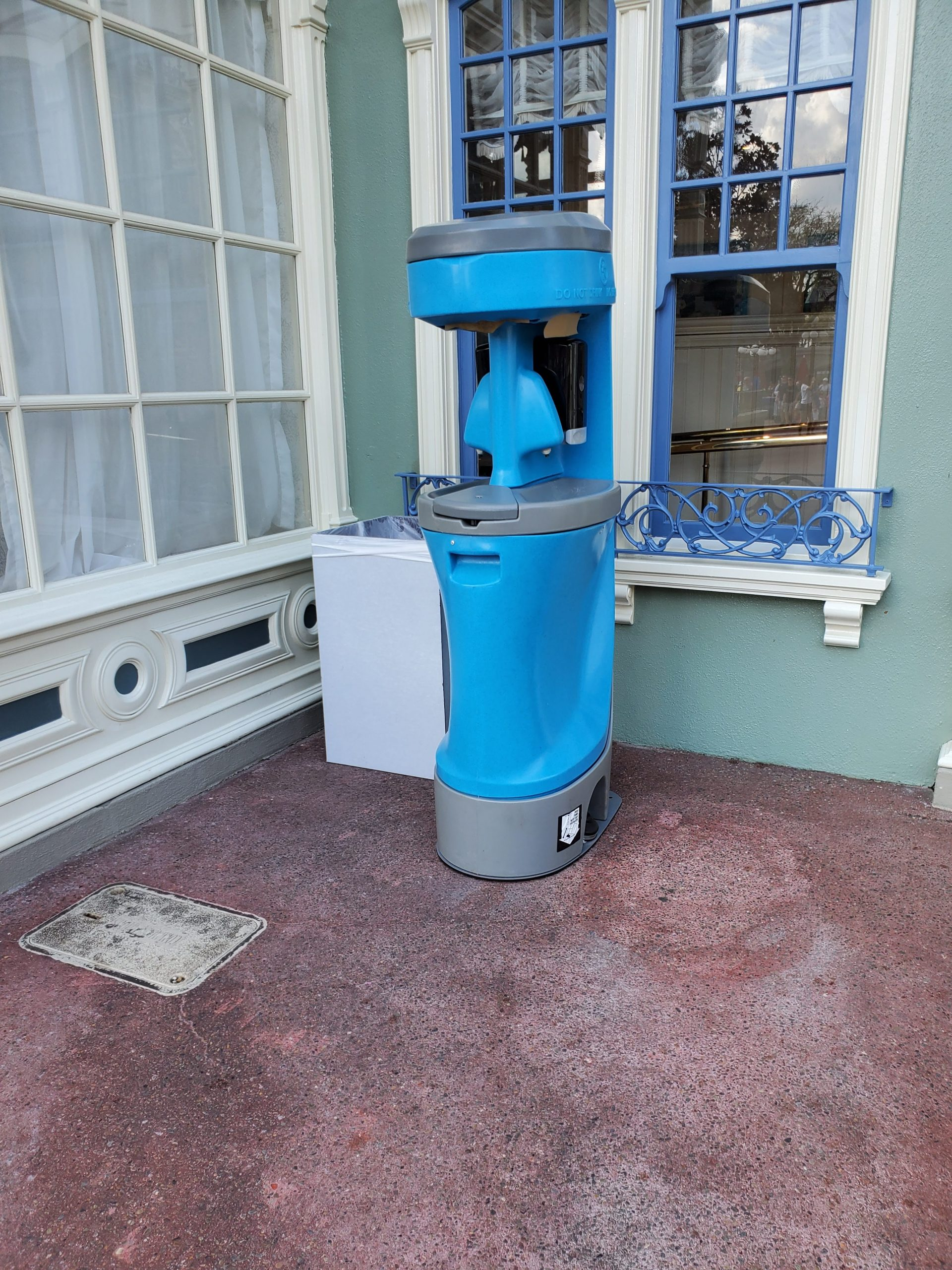 Disney wash sinks in parks